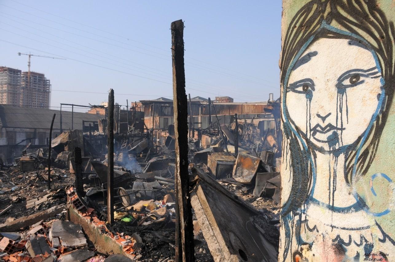 Eine Abgebrannte Siedlung in den Favelas Brasiliens.