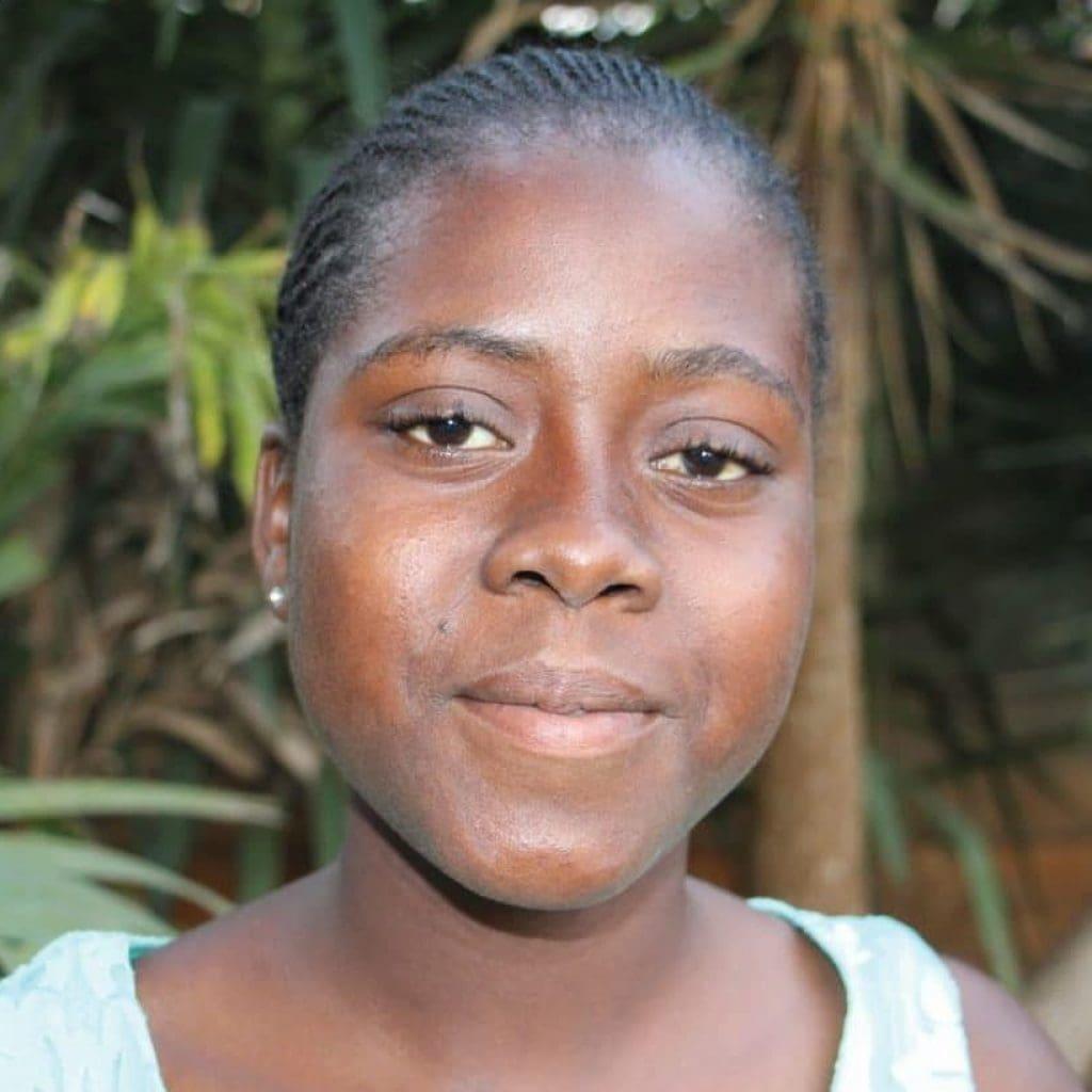 Portrait photo of Gladys, youth animator from Zimbabwe