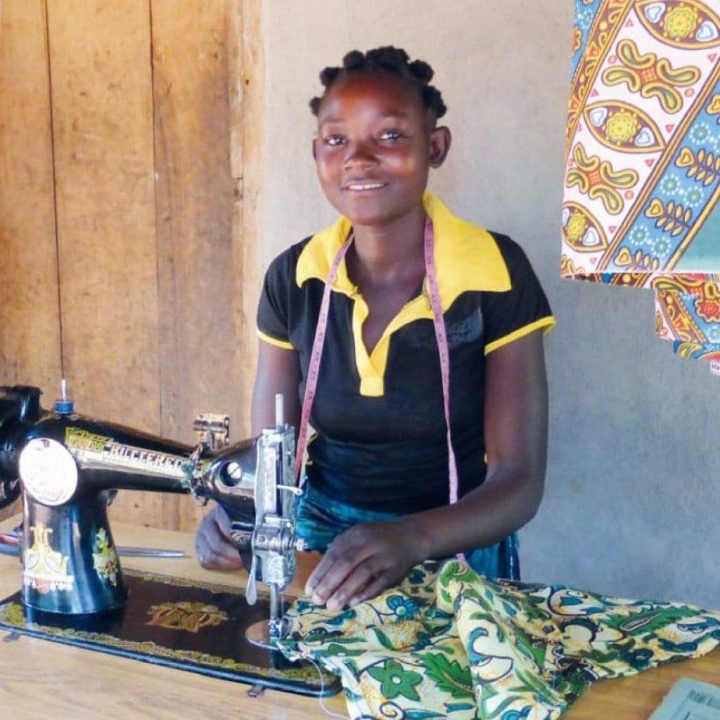 Beatriz, Schneiderin aus Moçambique, 17 Jahre