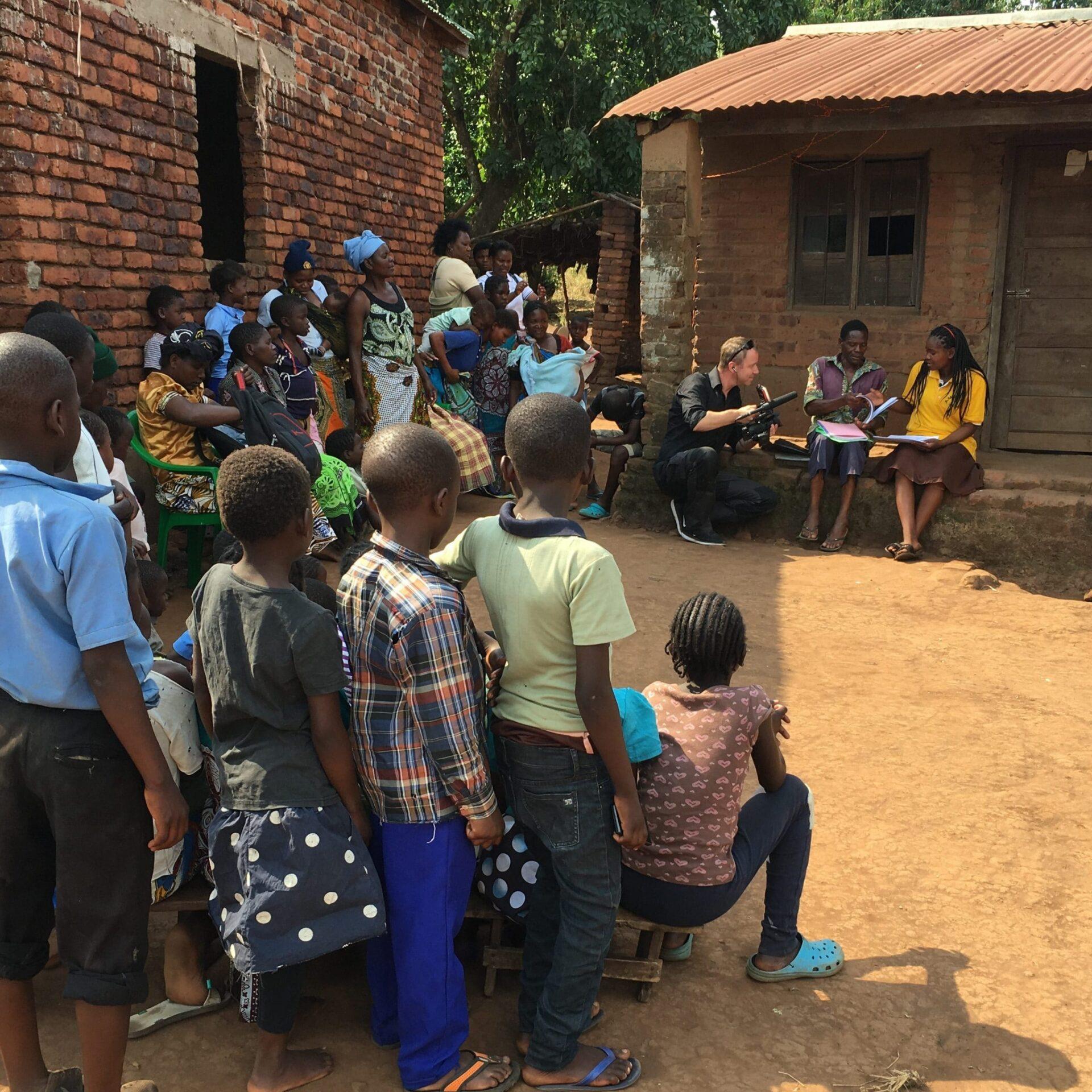 SRF-Mitenand bei Amudem in Tansania.