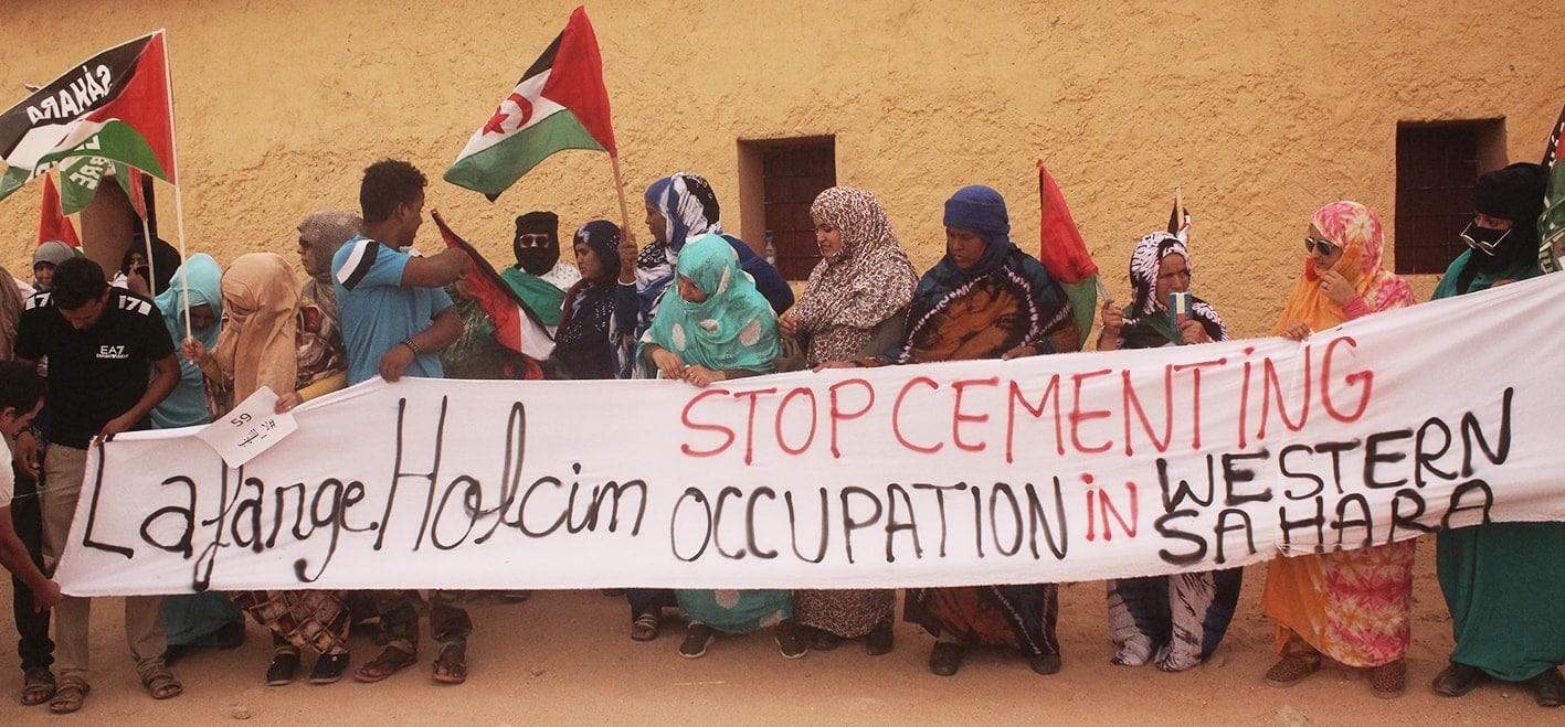 Sahrauis protestieren gegen LafargeHolcim in Westsahara