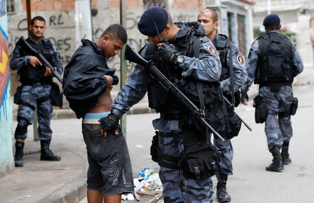 In Brasilien verhält sich die Polizei wie im Bürgerkrieg und nimmt immer wieder Unschuldige ins Visier.