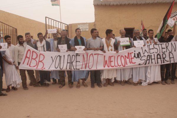 Sahrauis protestieren gegen die ABB.